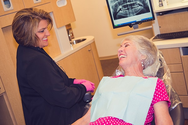 Our Marietta cosmetic dentists has completed the best training for quality results.