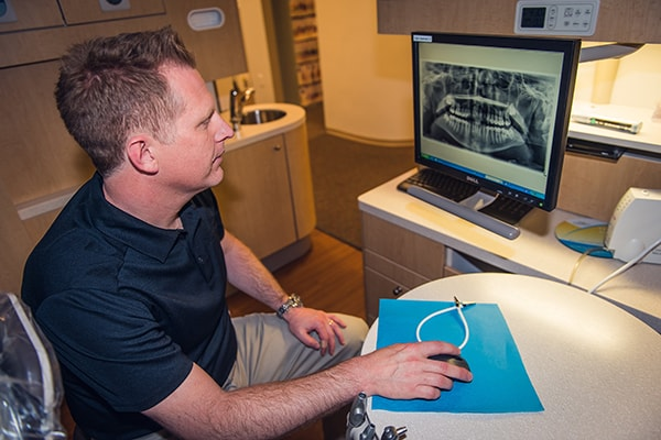 Our Marietta cosmetic dentists uses the best technologies to create your best smile.